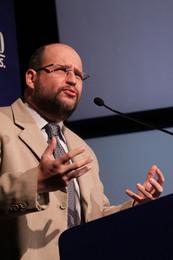 Prof. Dr. Clovis de Barros Filho.jpg