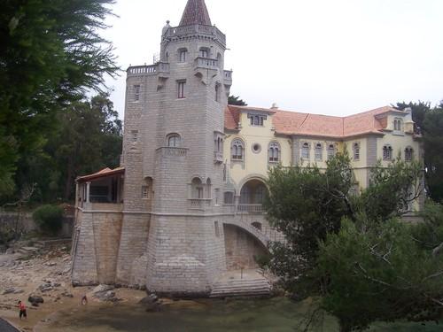 Museu-Biblioteca Condes de Castro Guimarães