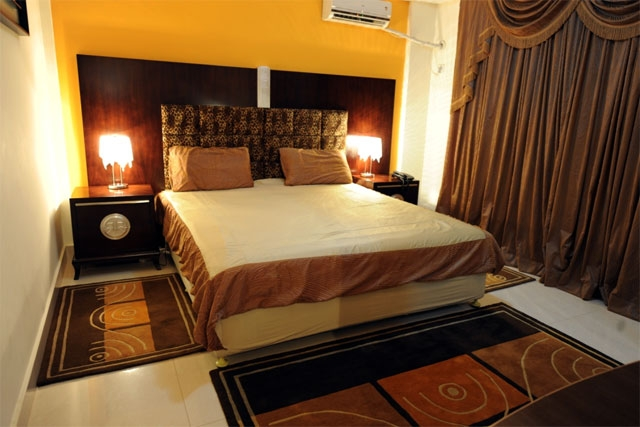 www.org-ritz.com/hoteis/roma-huambo/o-hotel