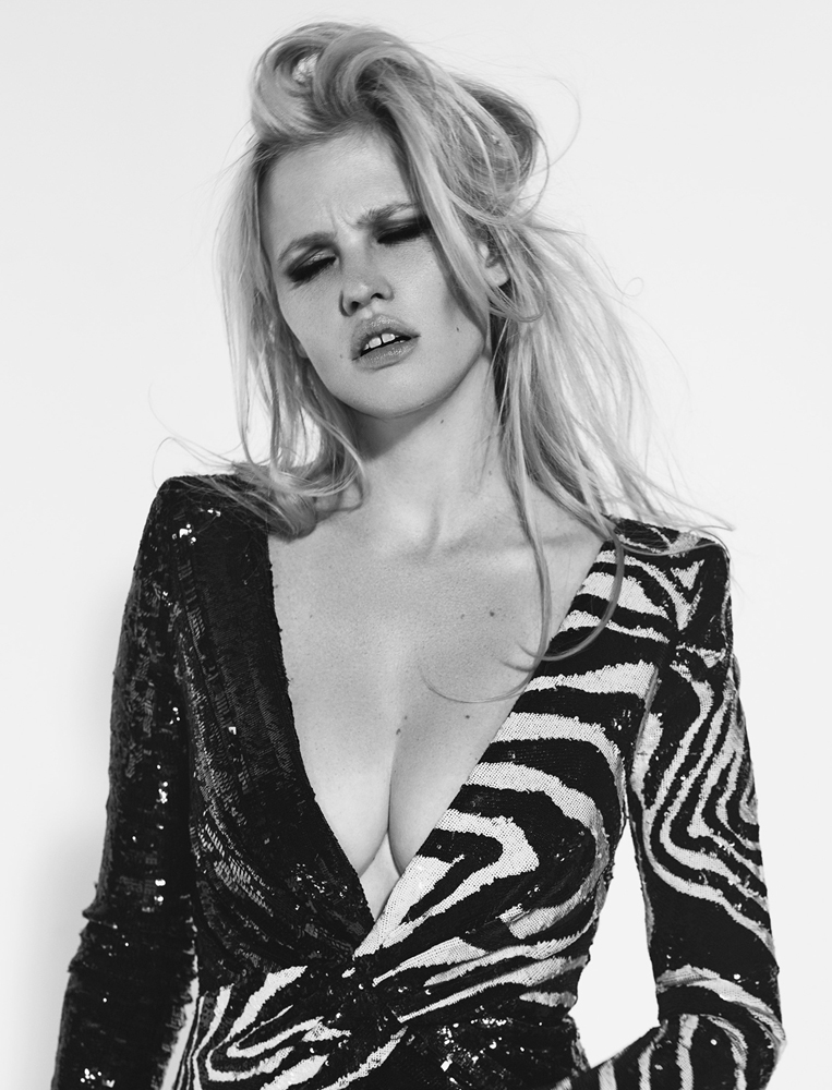 lara-stone-by-richard-bush-for-lexpress-styles-sep