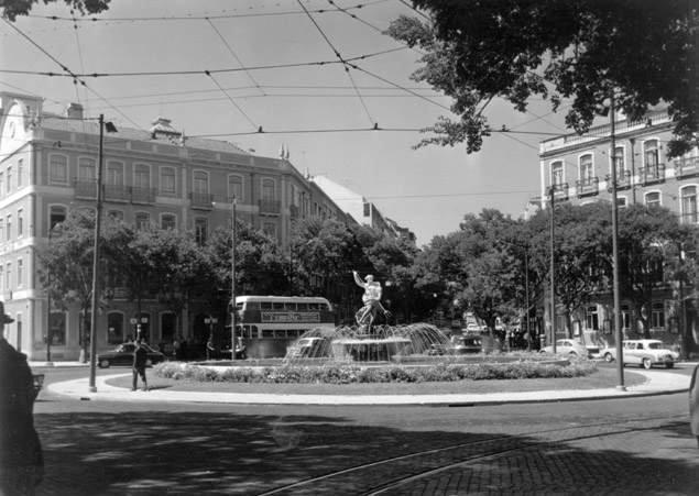Largo de Dona Estefânia, Lisboa (A.Serôdio, s.d.)