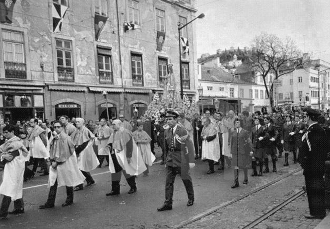 Procissão da Senhora da Saúde, Rua da Palma (AFCML, 1973)