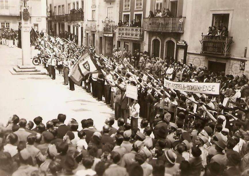 manifestação fascista.jpg