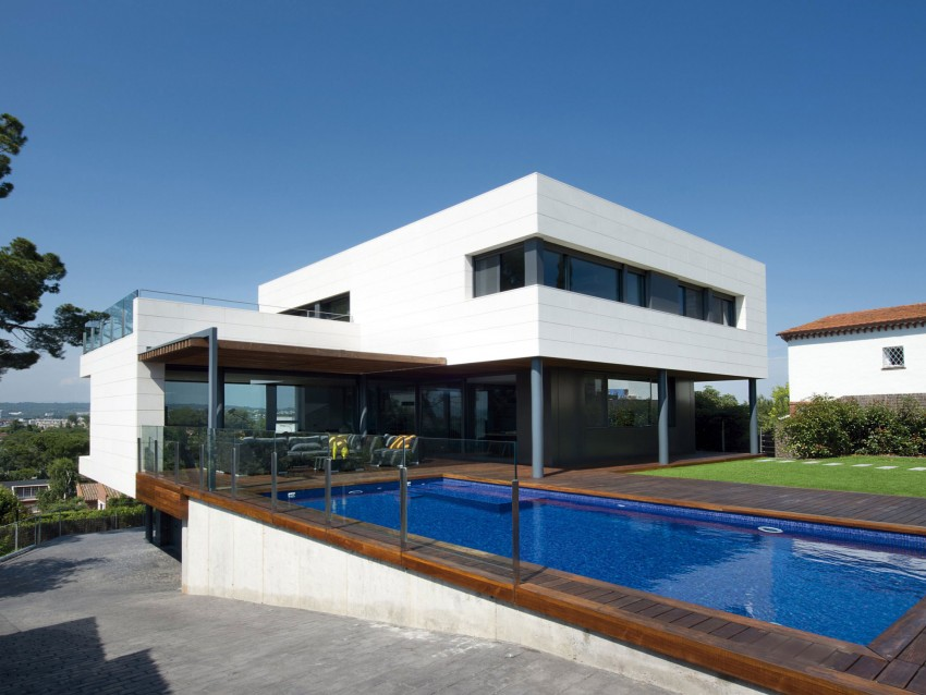 R-House-01-850x638.jpg