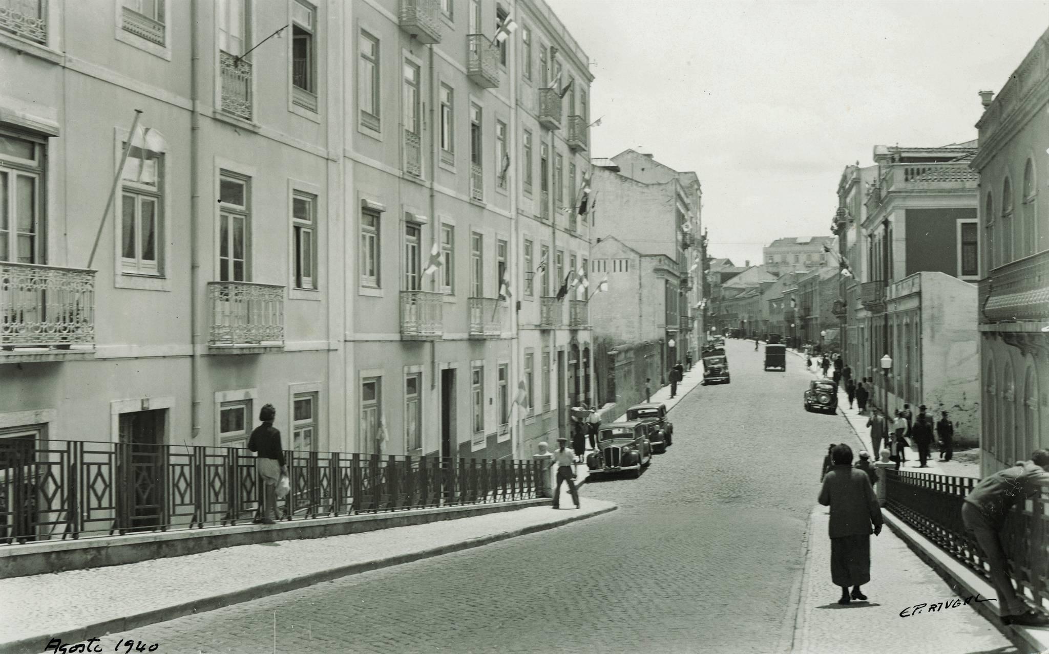 Rua do Arco do Cego [vista S. desde o cruzamento da Av. Ant.º José de Almeida], Lisboa (Eduardo Portugal, 1940)