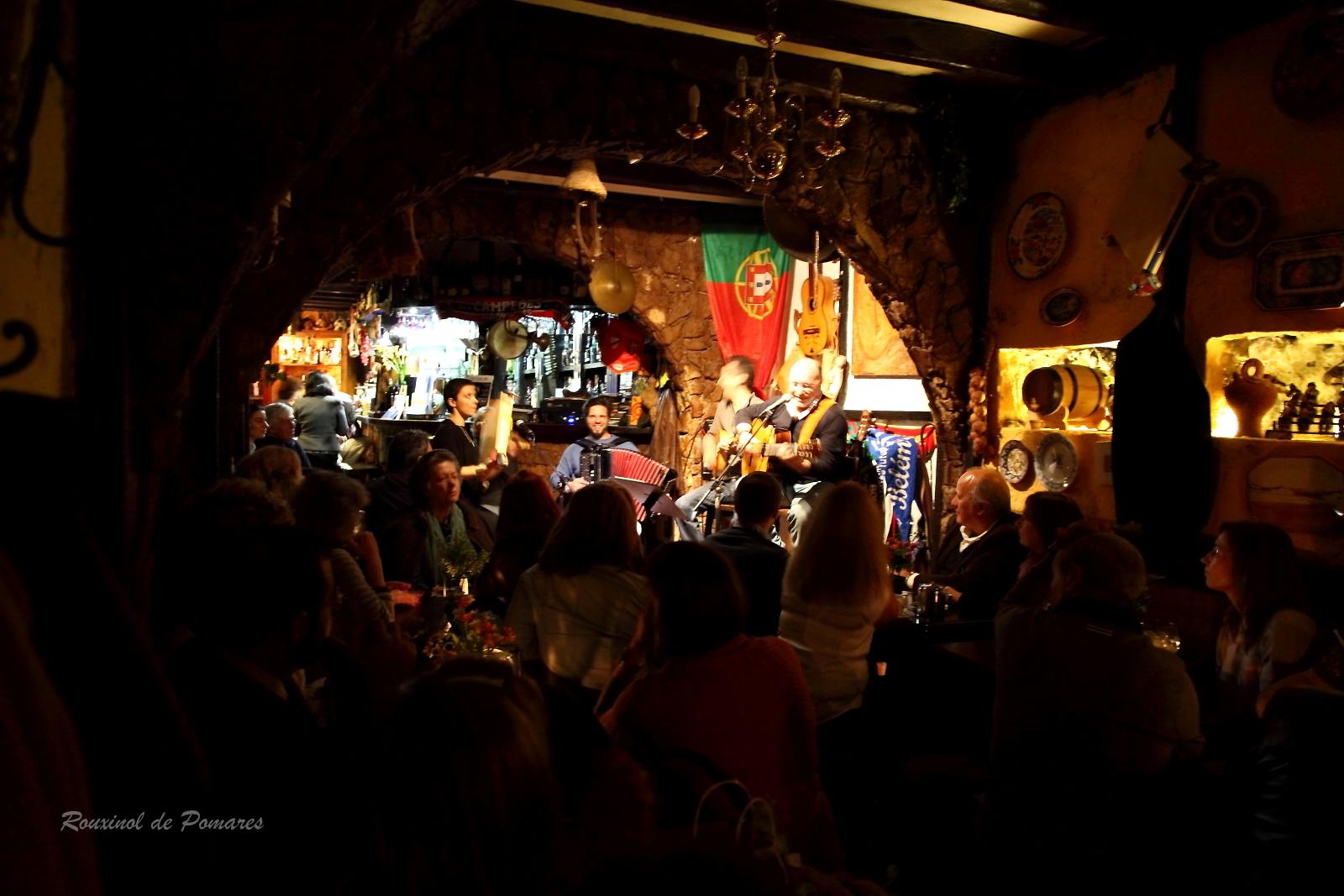 Taverna dos Trovadores - Sabores de Sintra -  Fado