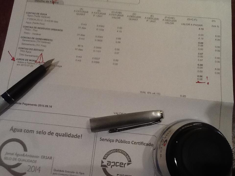 Água com $elo de qualidade. $erviço público certificado &c. &c. &c...