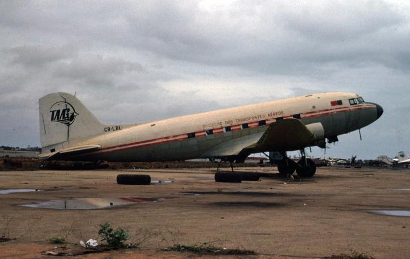 CR-LBL Divisão dos Transportes Aéreos TAAG, Luanda, 31/X/1975