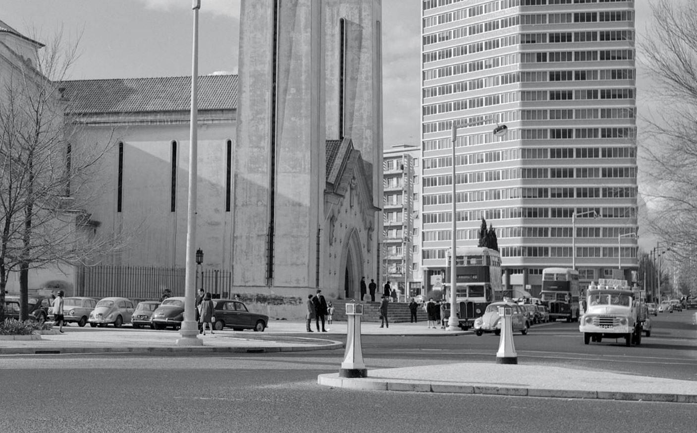 Autocarro 40, Pr. de Londres (A.Pastor, c. 1970)