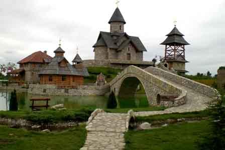O panorama de uma aldeia na Sérvia.jpg