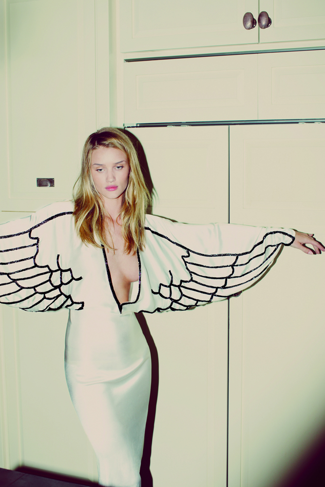 rosie-huntington-whiteley-by-guy-aroch-for-muse-su