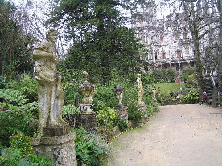 Imagem dos deuses na Quinta da Regaleira