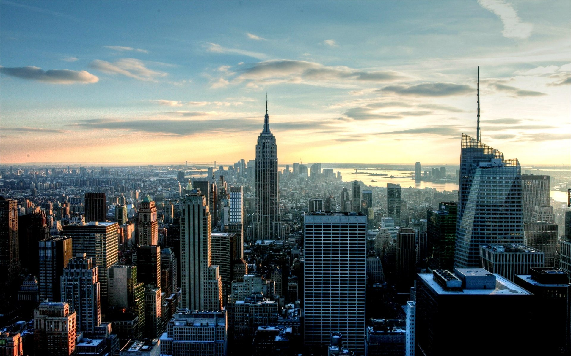 early-morning-new-york-city-skyline-empire-state_1