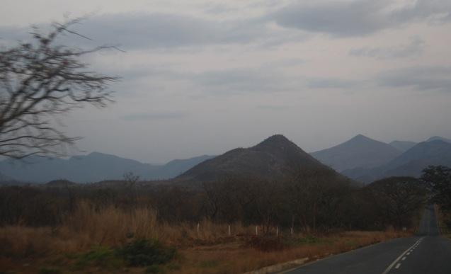 Estrada Dondo - Calulu. Kwanza Norte. Foto: Mayra Fernandes