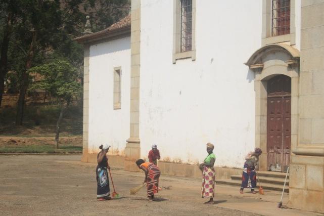 Átrio da igreja de Nossa Senhora da Assunção. Waku Kungo. Kwanza Sul. Foto: Mayra Fernandes