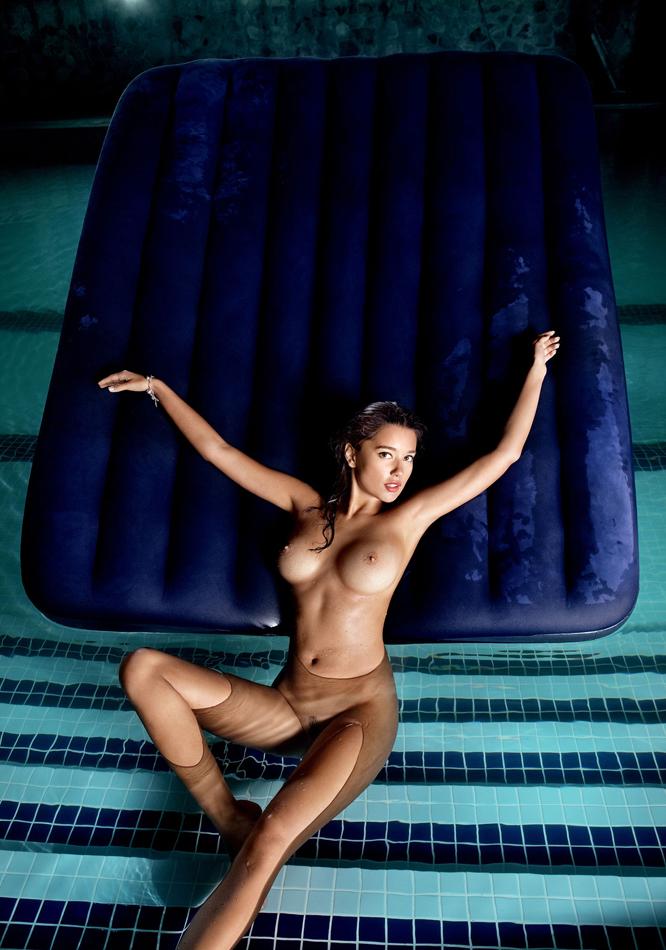 jevgenija-tischenko-nude-playboy-ukraine-01.jpg
