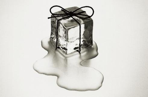 Chema Madoz (prenda de cubo de gelo)