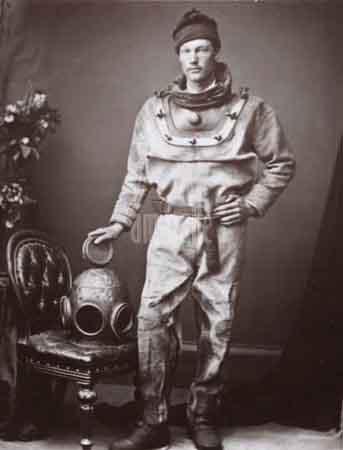 Diver-1874-ambaile Monstro do lago Ness.jpg