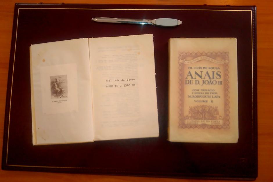 Frei Luís de Sousa, Annaes de Dom João III, 2.ª ed., Sá da Costa, Lisboa, 1951-54