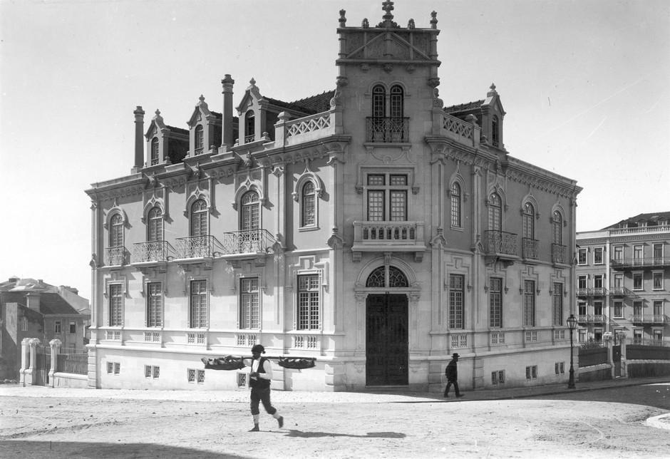 Casa Empis, Av. duque de Loulé, Lisboa (P. Guedes, c. 1907)